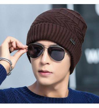 Зимова в'язана чоловіча шапка JEANS коричнева код 93