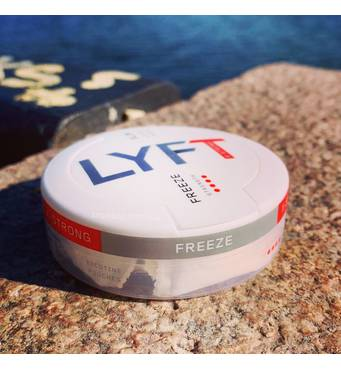Снюс Lyft X-strong Freeze купити у Харкові