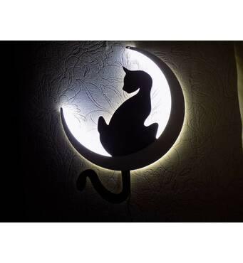 Декоративный ночник из фанеры резной. Светильник в детскую