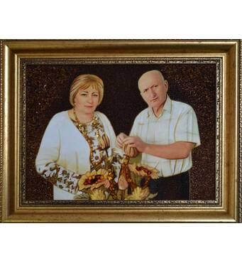 Янтарный портрет семейной пары