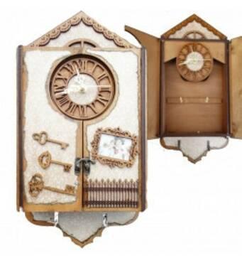 """Подарочный деревянный сувенирный набор """"Настенная Ключница Дом маленький со временами"""" ручной работы"""