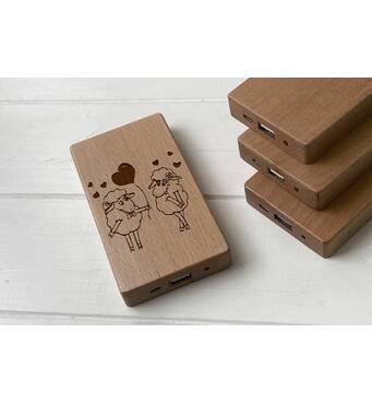 Дерев'яний зовнішній акумулятор Maple з гравіюванням Sheep