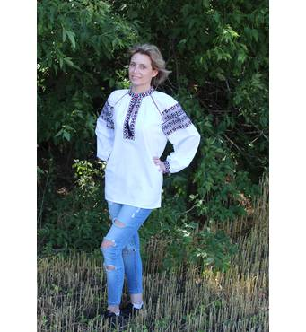 Стильная, современная вышитая блуза ручной работы