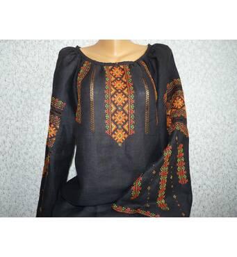 гуцульская вышиванка женская на черном льне. ручная работа