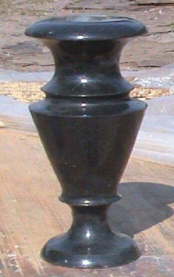 Виготовлення ваз з габро