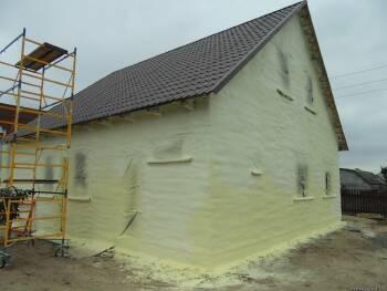 Утепление домов и строений напыляемым жестким пенополиуретаном
