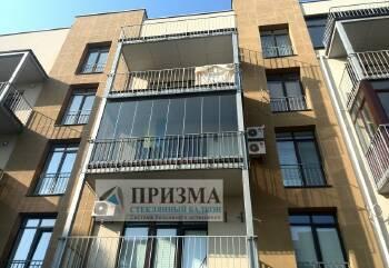 Безрамне скління балкона Київ