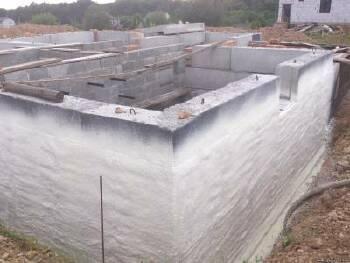 Гидро- и теплоизоляция фундаментов и цокольных этажей жесткой пеной БАСФ, Германия