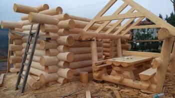 Будівництво дерев'яних споруд з оциліндрованого брусу