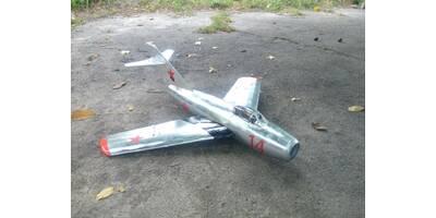 Набір деталей радіокерованої моделі літака МіГ-15 (розмах 1000 мм)