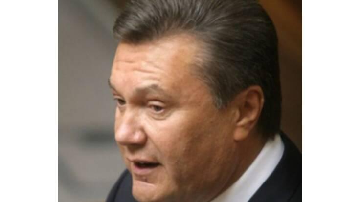 Янукович: украинскую медицину нужно лечить