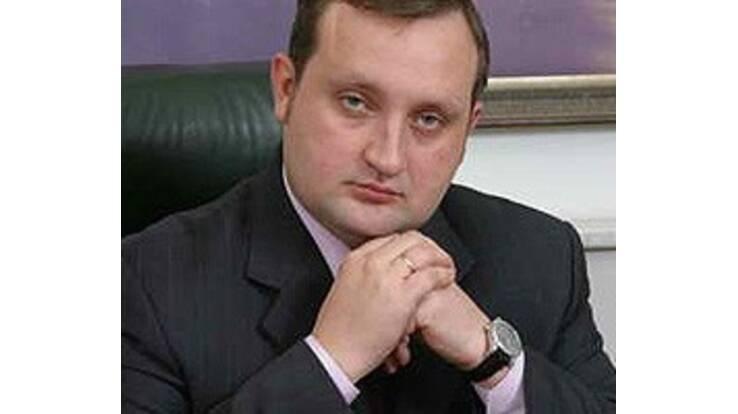 НБУ возглавил 34-летний друг семьи Януковича