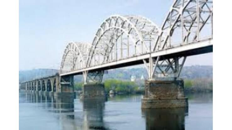 Дарницкий мост сегодня откроют и для автотранспорта