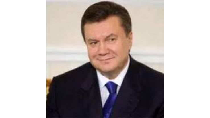 В графике Януковича сегодня и Президент Венгрии, и милиция и … новогодняя елка