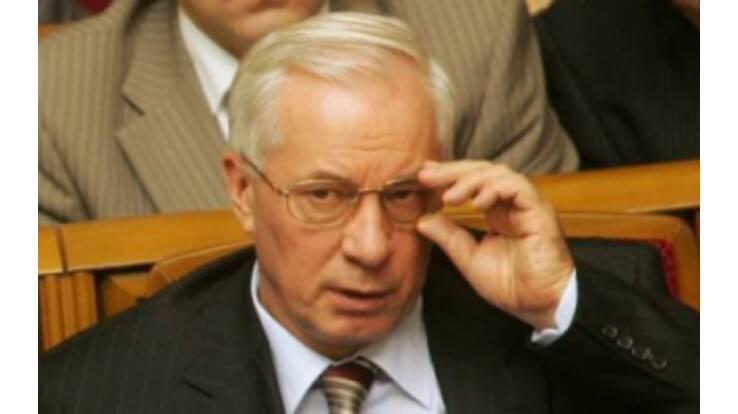 Азаров хочет разобраться с коррупцией в своей партии