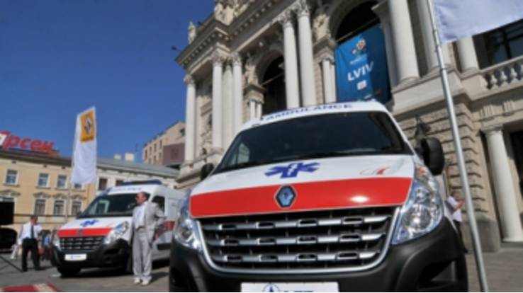 Ambulances from France were presented in Lviv