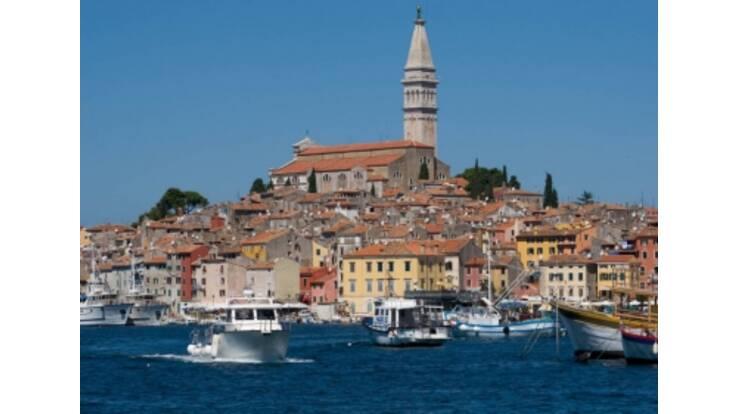 Для поездки в Хорватию украинцам теперь нужны визы