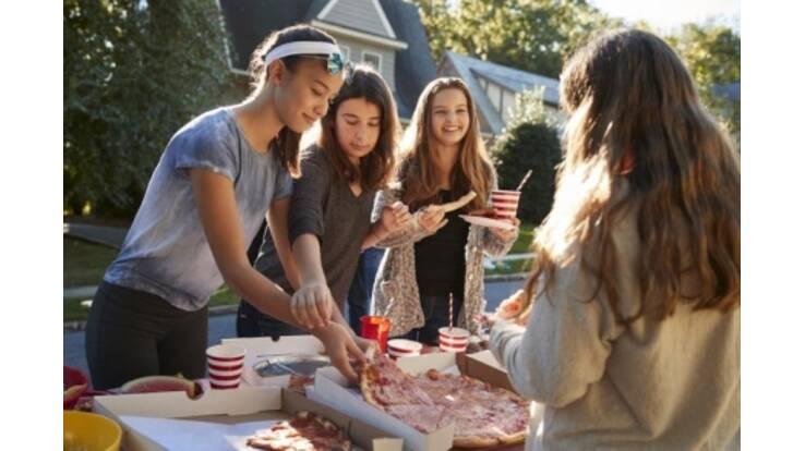 Пицца-пати: как устроить маленький праздник