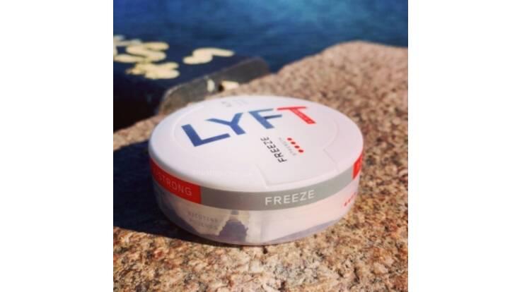 Увага! Новий продукт на ринку України – снюс зі смаком м'яти Lyft X-strong Freeze!