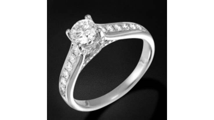 Гарантія на обручки з діамантами 10 років!