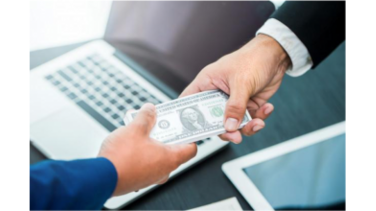 Где брать кредит - банк или МФО?