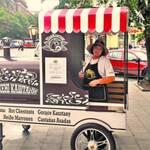 У Львові фанатам пропонують смажені каштани