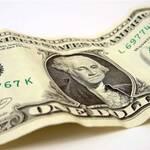 Долар побив рекорд дешевизни