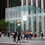 Apple здивує користувачів новим смартфоном
