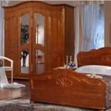 Меблі для спальні з дерева
