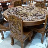 Різьблені меблі з дерева на замовлення