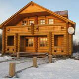 Строительство деревянных домов из оцилиндрованного бревна: надежно и оперативно