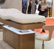 В асортименті магазину масажний стіл