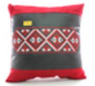 Автомобильная подушка KsuStyle красно-черная 0153
