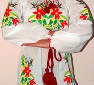 Вишиванка жіноча на домотканому полотні