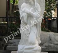 Скульптура скорботного ангела із білого бетону