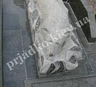 Пам'ятник собаки з граніту на могилу