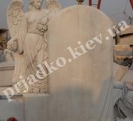 Мармуровий комплекс з янголом на могилу