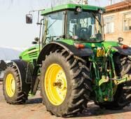 Колісний трактор John Deere 7820