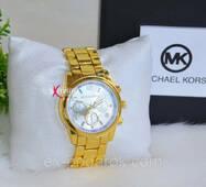 """Стильний годинник в стилі """"Михаель Корс""""."""