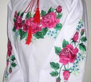 Вышитая рубашка для девочки Розы