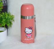 Мультяшний рожевий термос Hello Kitty.