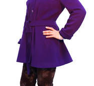 Пальто приталене з фіолетового велюру на гудзиках