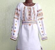 Плаття вишите ручної роботи для дівчинки