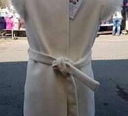 Осіннє пальто-жилетка для дівчинки