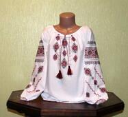 Дуже гарна сорочка вишита для дівчинки 6-7 років ручної роботи