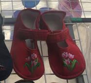 Дитячі тапочки оптом 18-20 червоних тюльпанів