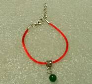 Червона нитка-браслет з натуральним природним смарагдом 8 мм