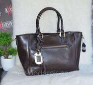 Женская кожаная сумка шоколадная со съемным декором.
