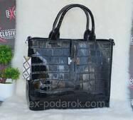 Женская кожаная сумка под кожу крокодила.
