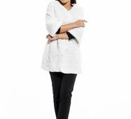 Женская белая шуба из искусственного меха Мутон